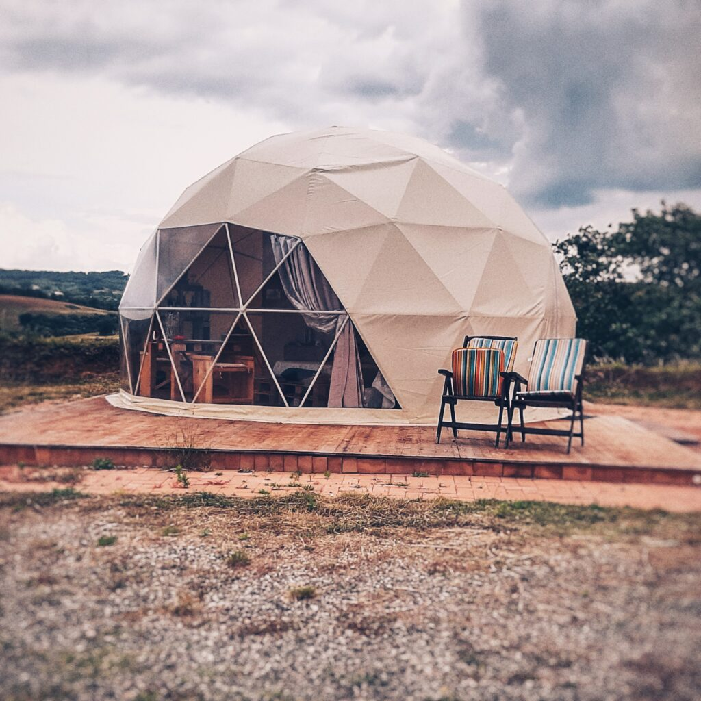 cupola geotecnica nel glamping