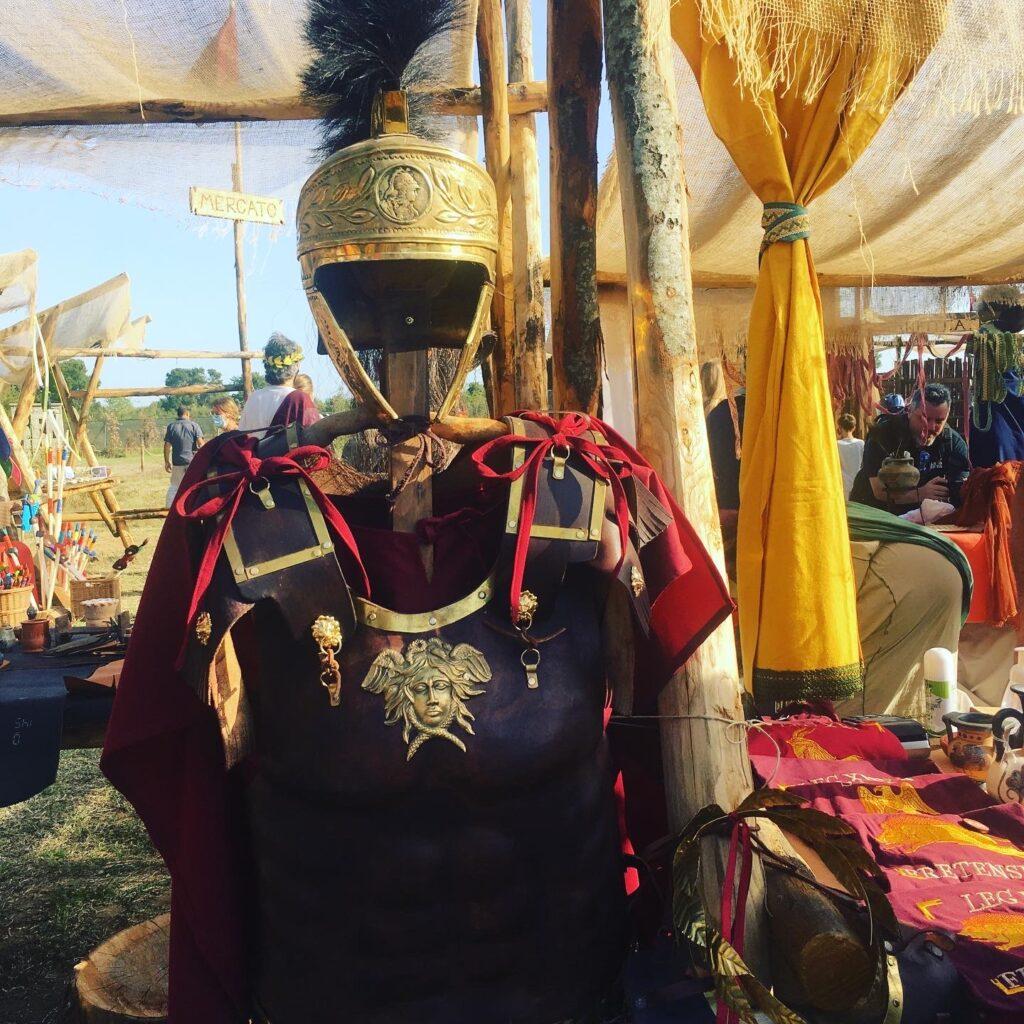 vestito antico romano e bancarelle