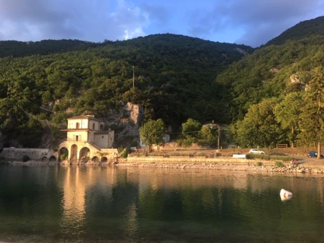 chiesa e lago di scanno