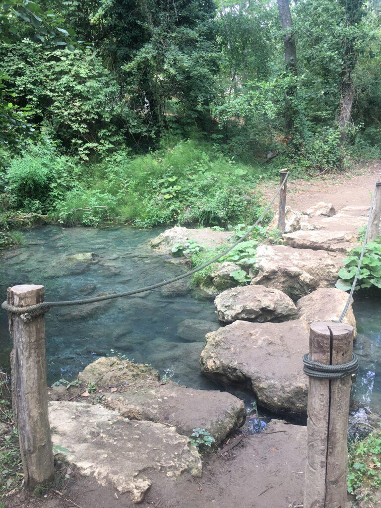 ponte sassi percorso trekking fiume