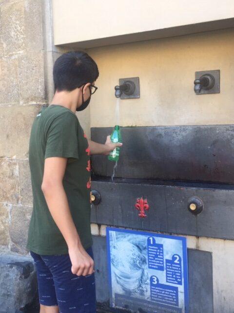 fontana a Firenze con persona